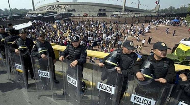 Стрелба и смърт на стадион в Мексико