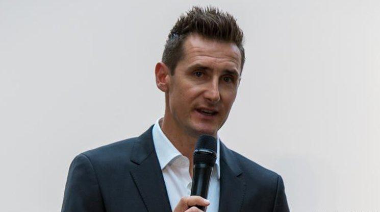 Клозе ще представи шампионската купа за Мондиал 2018