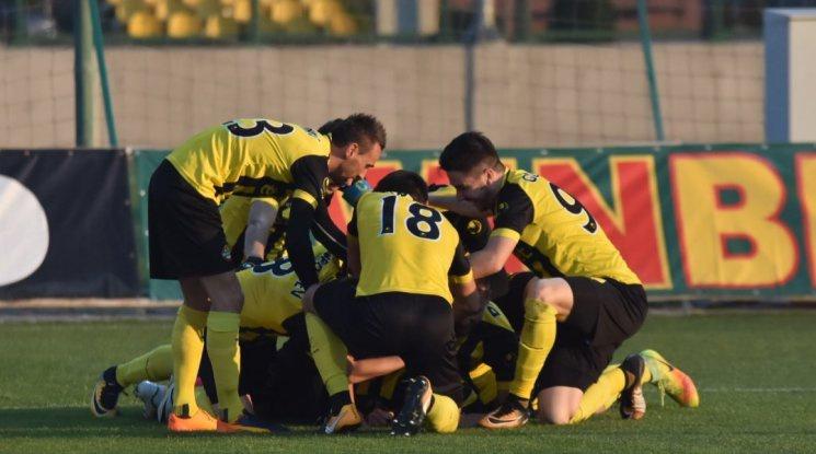 Ботев завърши годината в Първа лига с класика над Етър (видео)