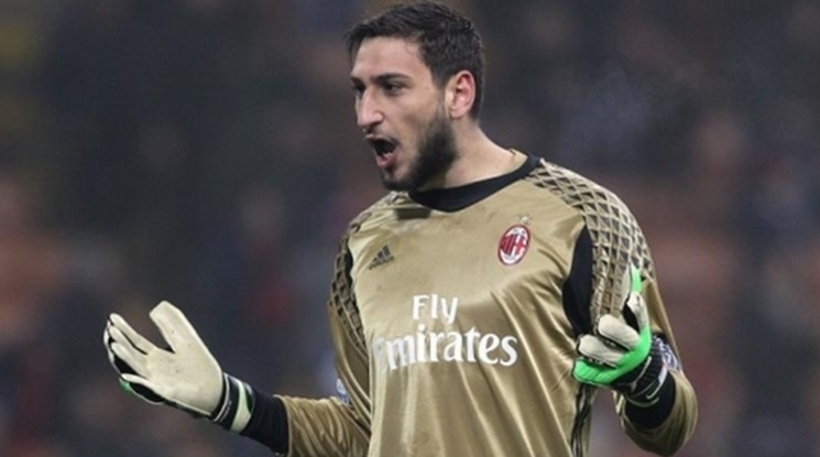 Донарума притеснен от последните събития около Милан