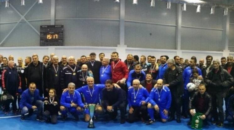 Ветераните на Левски триумфираха в Коледния турнир на БФС