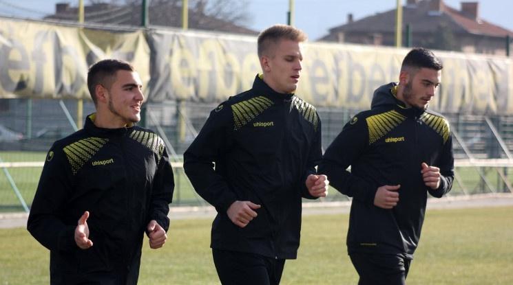 Ботев преотстъпи двама във Втора лига