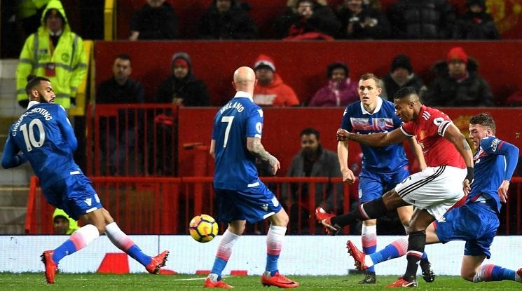 Класика за Ман Юнайтед срещу Стоук Сити (видео)