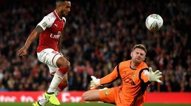 """""""Sky Sports"""": Арсенал продаде Тио Уолкът за 20 милиона евро"""