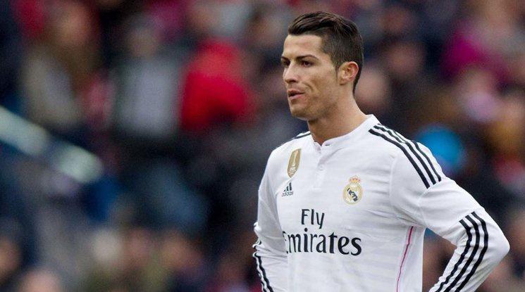 Роналдо: Неуважително е Меси да печели повече от мен
