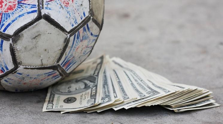"""УЕФА въвежда """"данък лукс"""" за богатите клубове"""