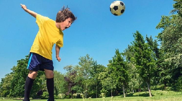 УЕФА ще забрани играта с глава в детския футбол