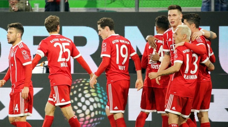 Байерн обърна Волфсбург за десета поредна победа