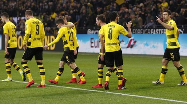 Дортмунд извоюва трите точки в дербито с Гладбах (видео)