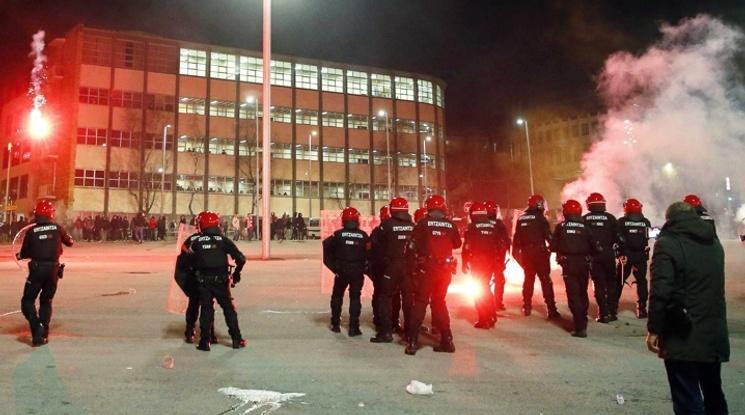 Полицай почина от инфаркт при сблъсъци между фенове в Билбао