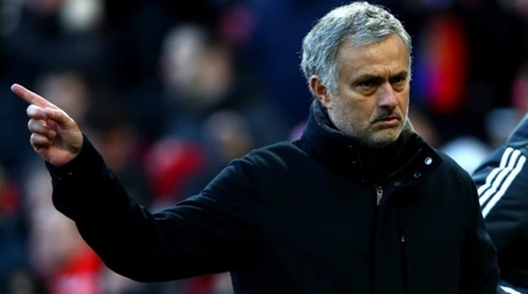 """""""Дейли Мейл"""": Моу е ядосан на ръководството на Юнайтед"""