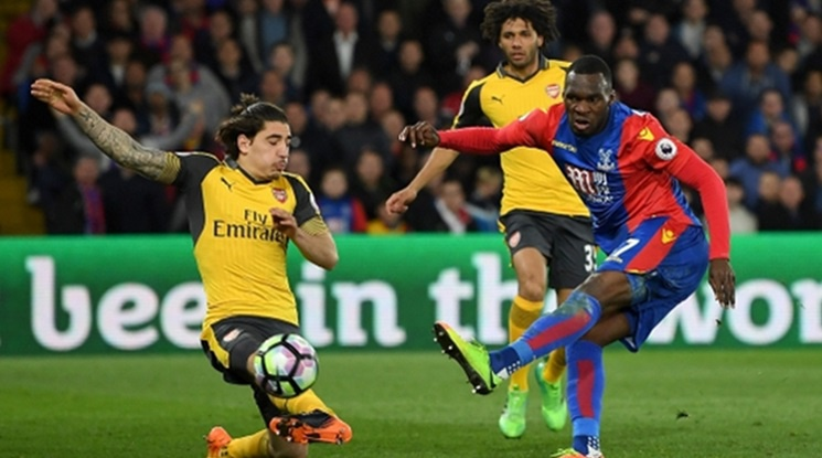Юве се прицели в защитник на Арсенал