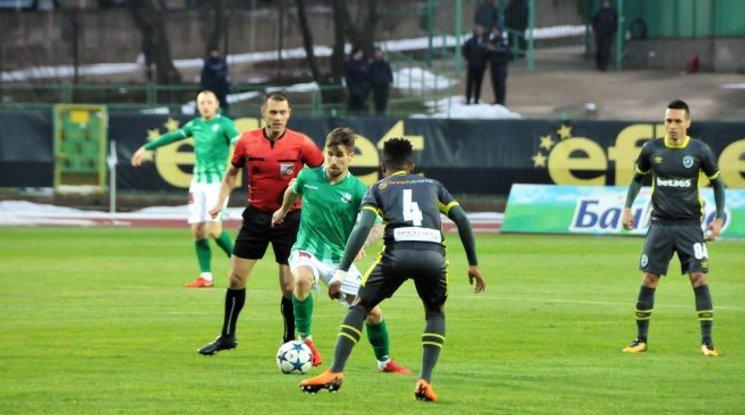 Лудогорец измъкна трите точки срещу Берое в здрав сблъсък в Стара Загора (видео)
