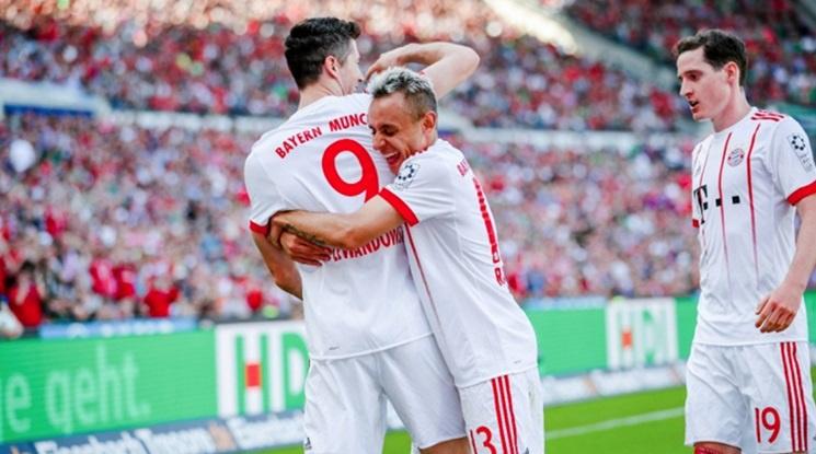 Левандовски счупи пореден голов рекорд в Бундеслигата (видео)