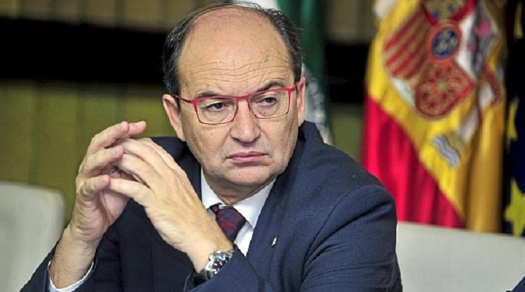 Президентът на Севиля се извини на феновете