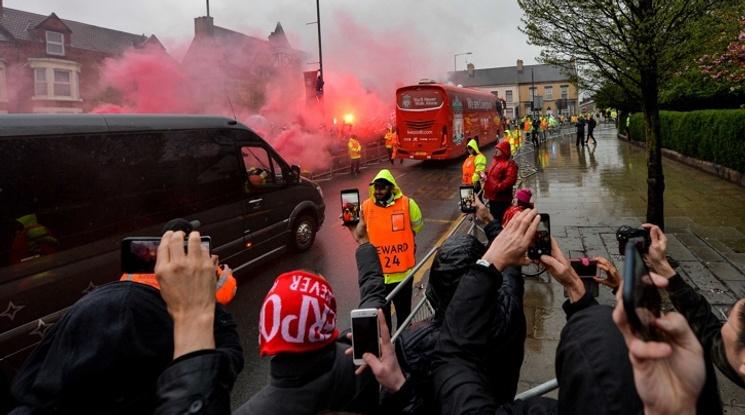 Фенове на Рома пребиха почти до смърт 53-годишен запалянко на Ливърпул