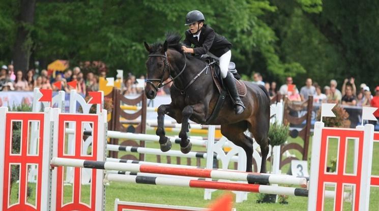 Хиляди посетиха първия градски турнир по конен спорт в България