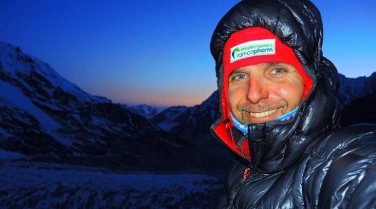 Китай пусна спасителни хеликоптери за Боян Петров