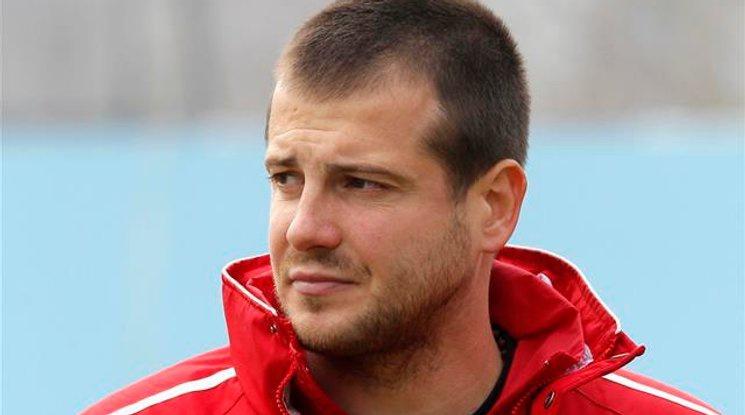 В ЦСКА продължават да  умуват за новия треньор, появи се още един кандидат