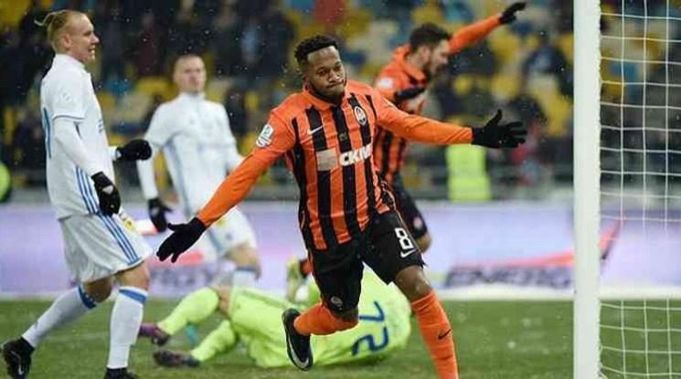 Ман Юнайтед се подсилва с бразилски национал за 50 млн. лири