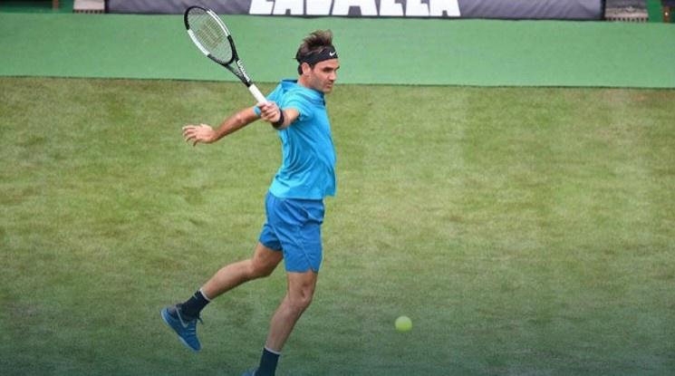 Федерер започна с победа сезона на трева