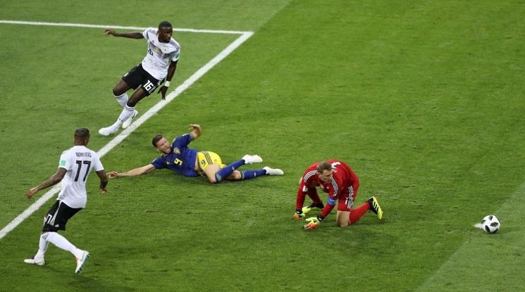 Брутална драма: Германия би Швеция с гол в 96-ата минута (видео)