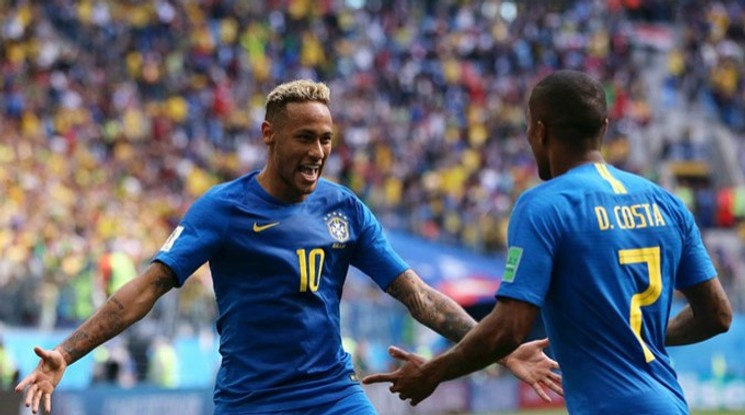 Бразилия трепери за Марсело и Дъглас Коща