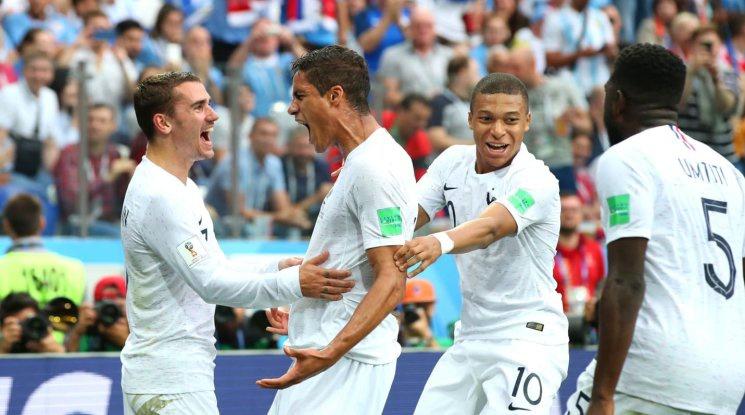 Франция видя сметката на Уругвай и се класира на полуфинал (видео)