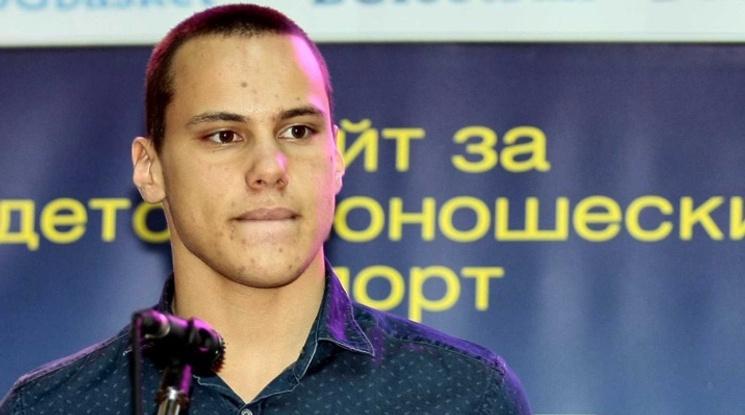 Антъни Иванов с осмо място във финала на 200 м бътерфлай