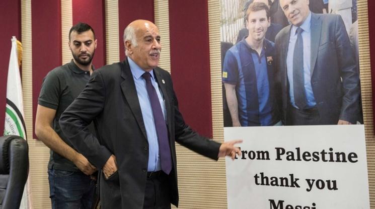 ФИФА наказа ръководителя на палестинския футбол за призивите му да се горят фланелки на Меси