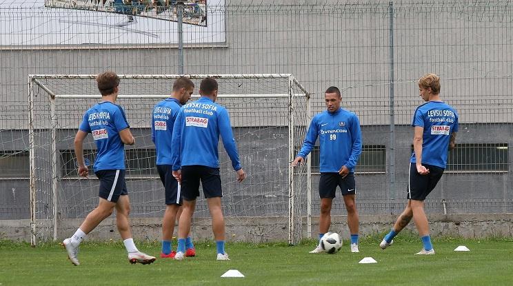 Новият треньор ще води Левски на лагер в паузата