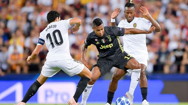 Юве надви Валенсия в Испания, Роналдо с червен картон (видео)