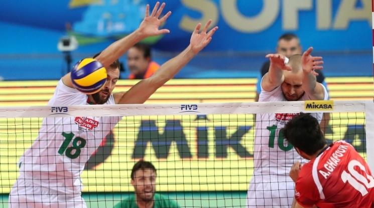 """Препълнена """"Арена Армеец"""" вдъхнови България за чиста победа над Иран"""