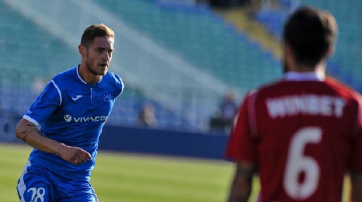 ФИФА може да забрани на Яблонски да играе футбол