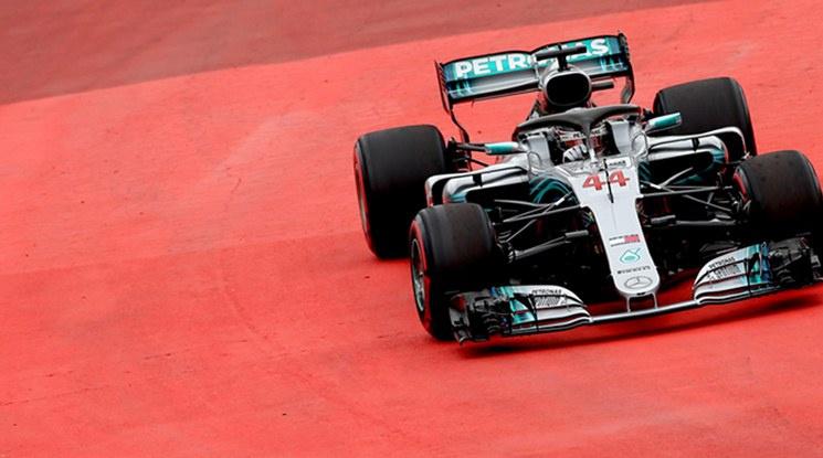 Хамилтън докосва титлата след триумф в Гран При на Япония