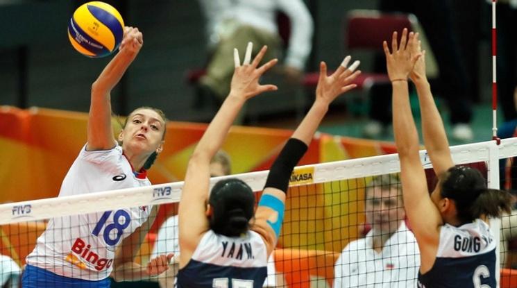 Русия отпадна от световното по волейбол