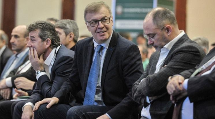 Сираков: Съдиите може да спрат Левски по пътя към титлата