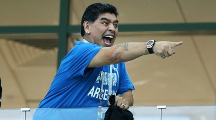 """Марадона ще говори с Меси за """"ходенето по 20 пъти до тоалетна преди мач"""""""
