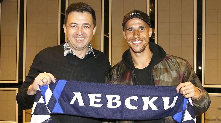 Официално: Обертан преподписа с Левски до 2021 година