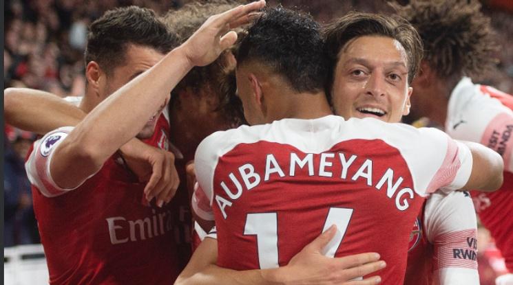 Арсенал навърза победите на 10, Йозил стана най-резултатният германец във Висшата лига (видео)