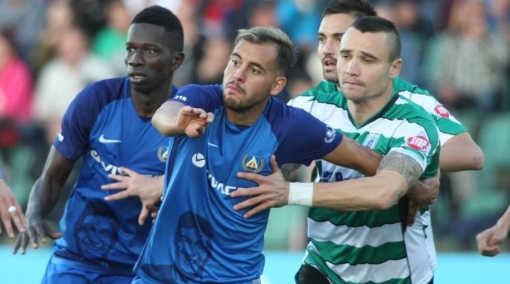 Нова вратарска грешка коства на Левски загуба срещу Черно море (видео)