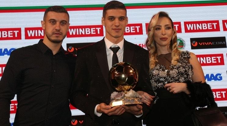 И Фенербахче в битката за Футболист №1 на България