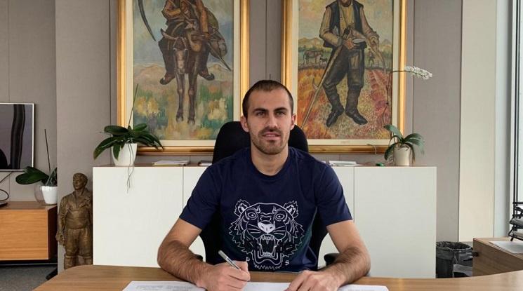 Официално: Тиаго продължи договора си с ЦСКА
