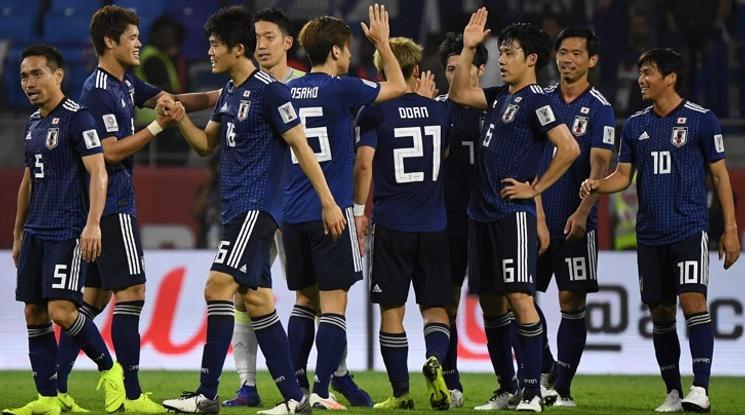 Гол от дузпа прати Япония на 1/2-финал за Купата на Азия
