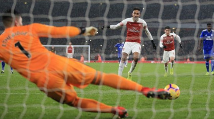 Арсенал трудно надви Кардиф (видео)