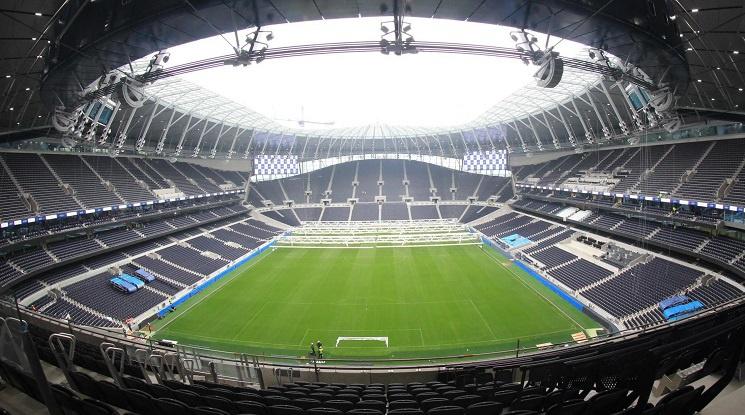 Тотнъм се мести на новия стадион най-рано през април