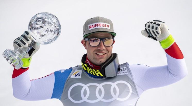 Фойц триумфира за втори пореден сезон с Малкия кристален глобус в спускането