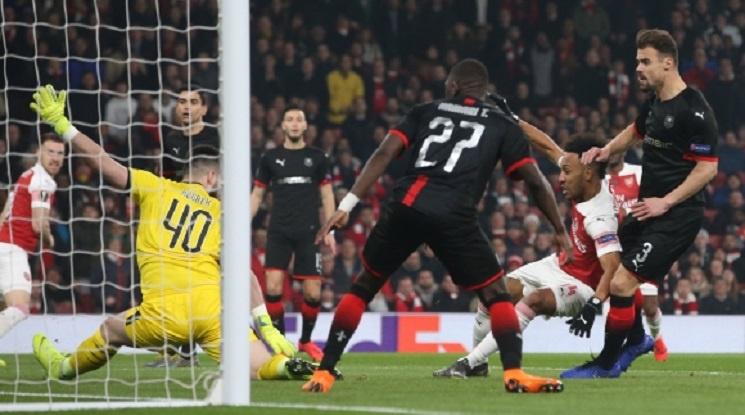 """Арсенал отстрани Рен с класика на """"Емирейтс"""""""