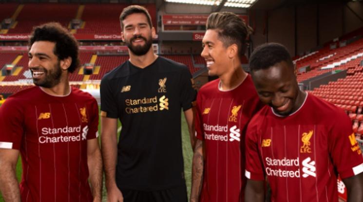 Ливърпул представи новия си екип (снимки)