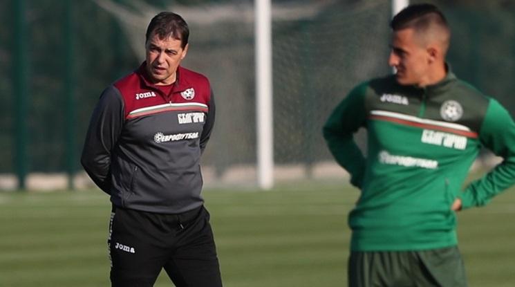 Хубчев вече не е селекционер на България, връща три заплати